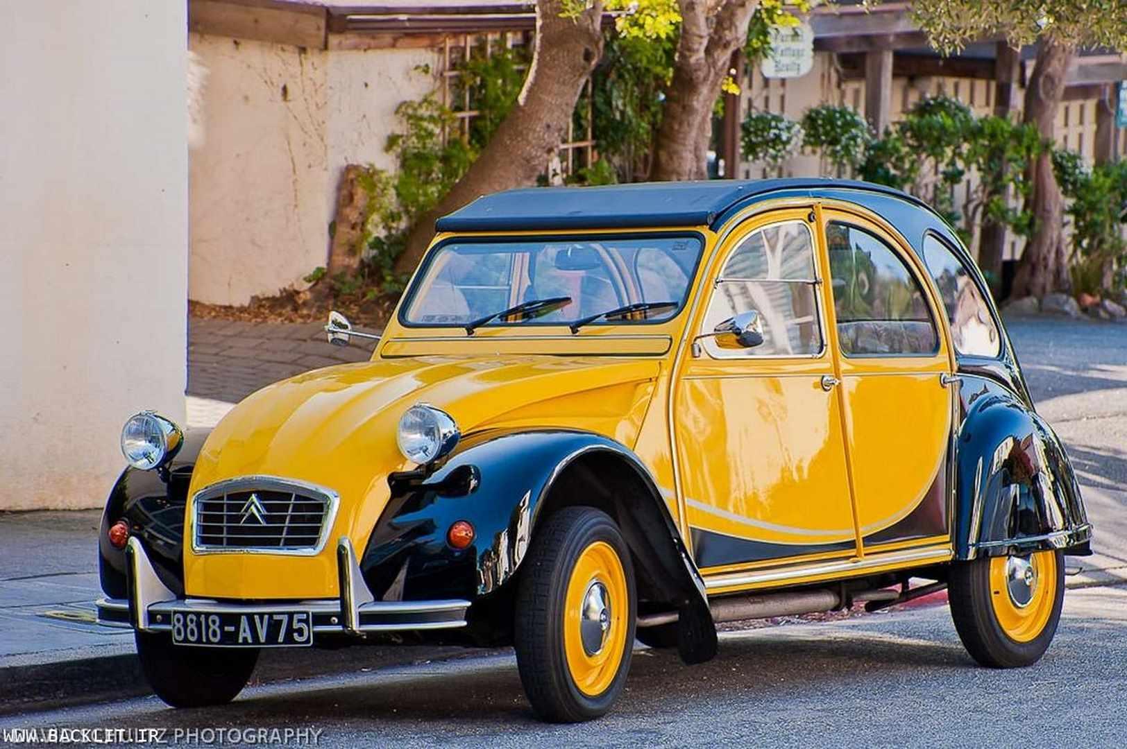 تابلو ماشین قدیمی